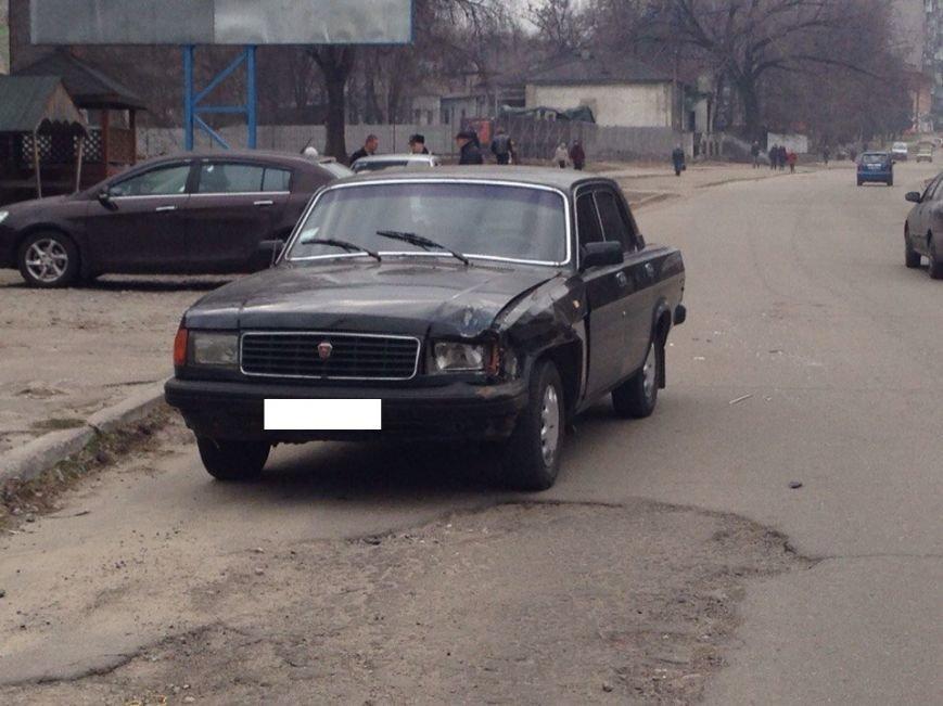 В Днепродзержинске на улице Республиканской произошло ДТП (фото) - фото 2