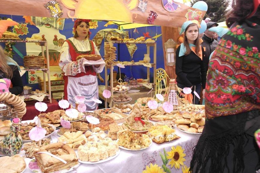 В Красноармейске шумно и весело встречают приход весны - Масленицу, фото-4