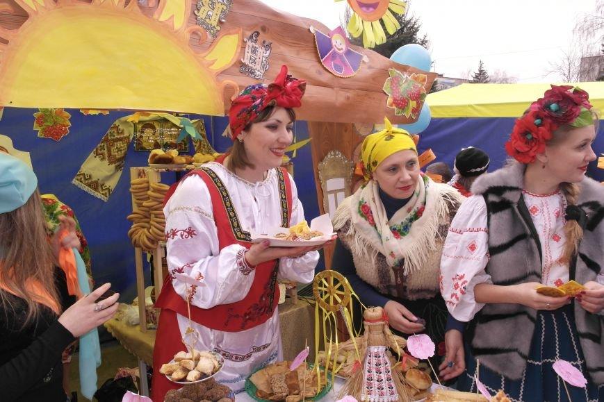 В Красноармейске шумно и весело встречают приход весны - Масленицу, фото-28