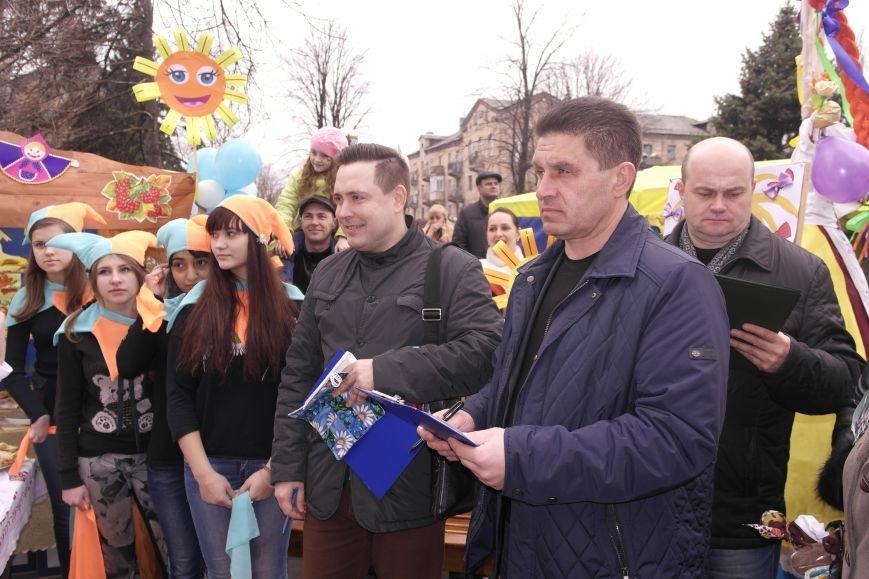 В Красноармейске шумно и весело встречают приход весны - Масленицу, фото-14