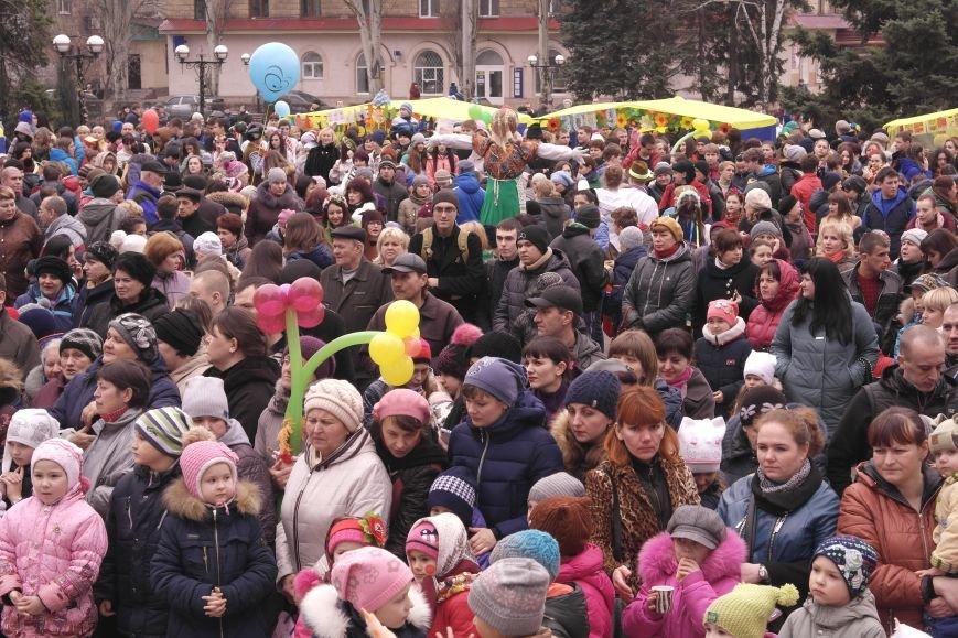 В Красноармейске шумно и весело встречают приход весны - Масленицу, фото-1