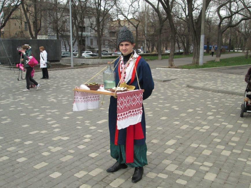 edf09cfdac61d1de83902615bf65bc14 Одесситы празднуют масленицу в парке Шевченко