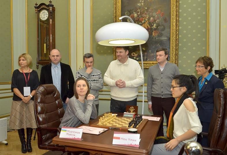 Сьогодні перший хід у Чемпіонаті світу з шахів серед жінок виконали солісти формації «Піккардійська Терція», фото-3