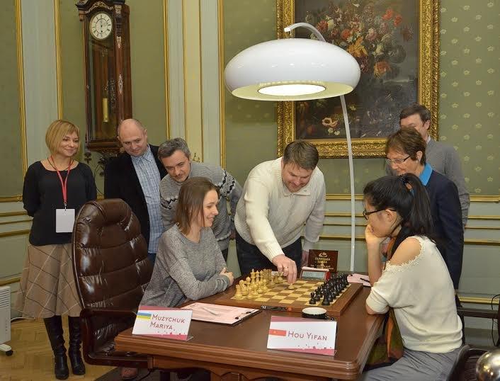 Сьогодні перший хід у Чемпіонаті світу з шахів серед жінок виконали солісти формації «Піккардійська Терція», фото-5
