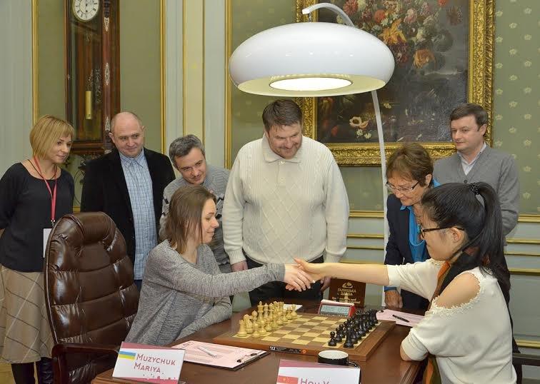 Сьогодні перший хід у Чемпіонаті світу з шахів серед жінок виконали солісти формації «Піккардійська Терція», фото-2