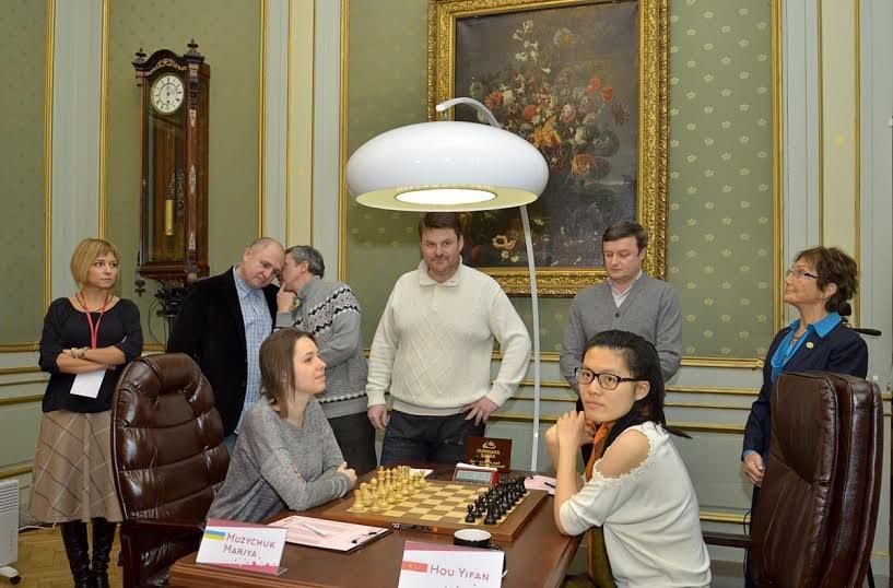 Сьогодні перший хід у Чемпіонаті світу з шахів серед жінок виконали солісти формації «Піккардійська Терція», фото-4