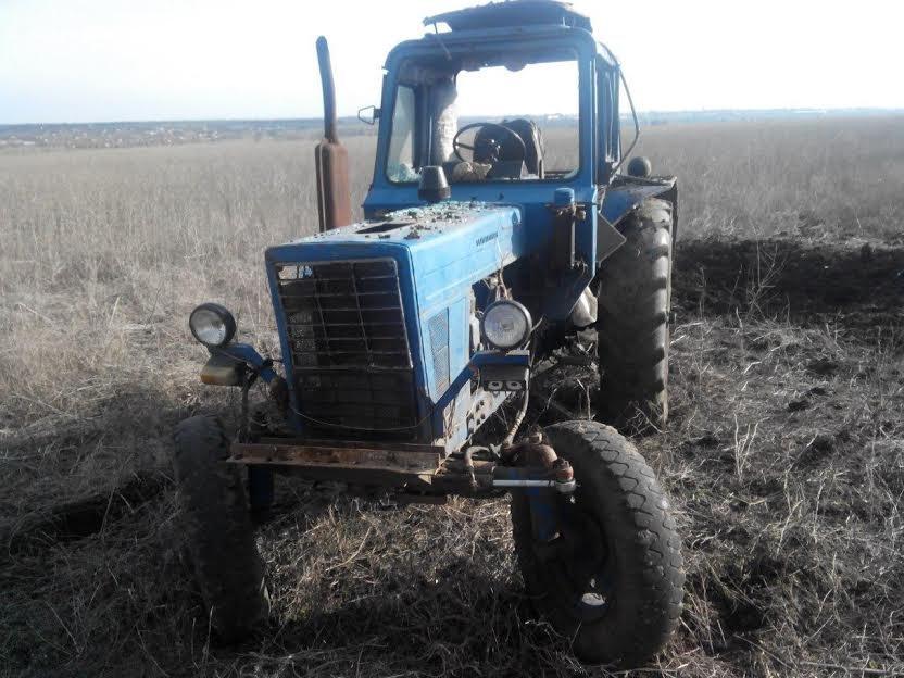 У трактора под Сартаной взрывной волной вынесло стекла (ФОТО), фото-11