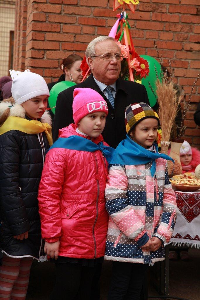 Мэр Ю.Вилкул встретил праздник Масленицы вместе с жителями поселка Авангард (ФОТО), фото-1