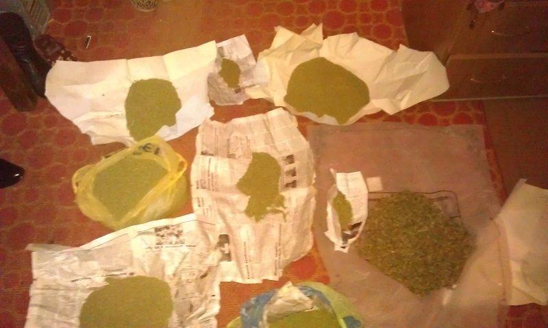 В Бахмуте правоохранители изъяли около 3 кг каннабиса (фото) - фото 1