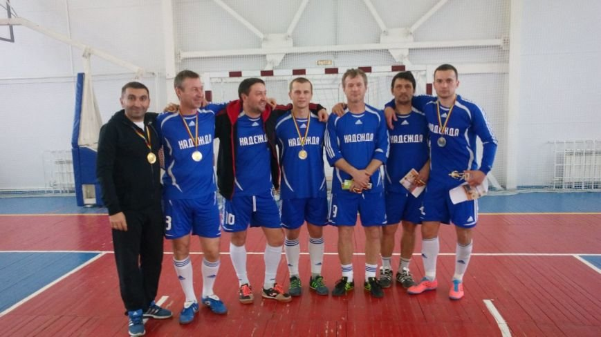 На Чемпионате РО по мини-футболу все призовые места заняли новошахтинские команды, фото-4