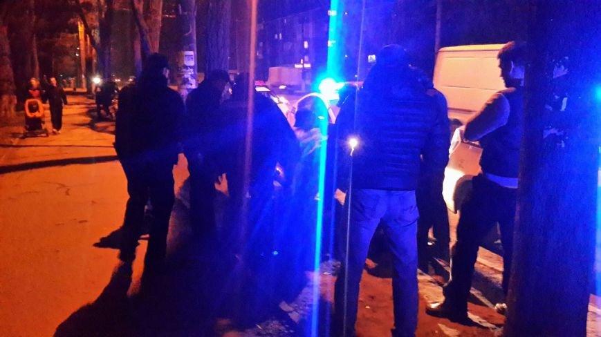 После ДТП водитель устроил драку на дороге, а потом обматерил и ударил полицейского (фото) - фото 6