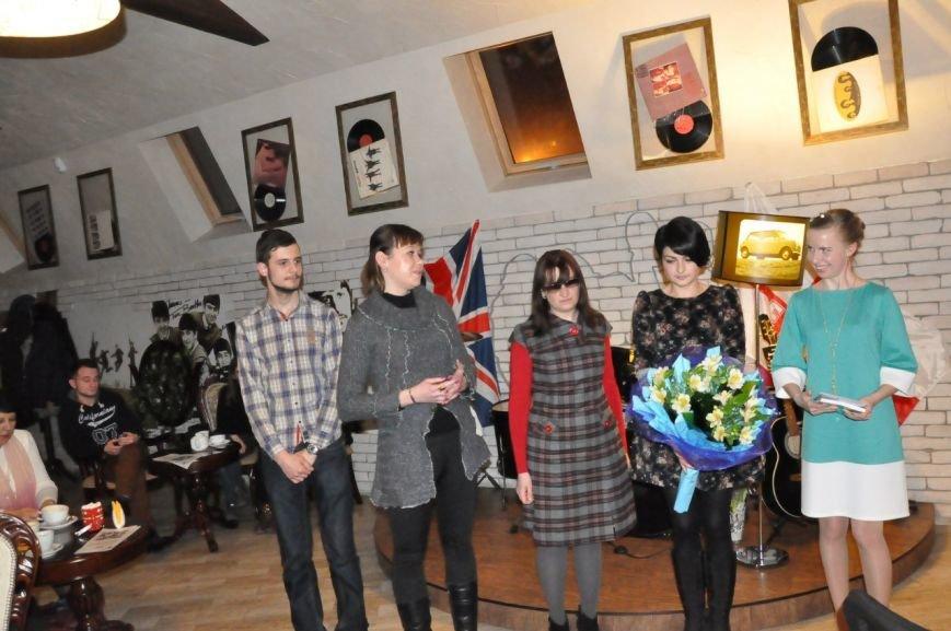 Днепродзержинская писательница Евгения Яворская представила свою новую книгу (фото) - фото 4