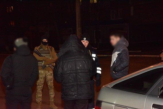 Мариуполец устроил стрельбу возле ночного клуба (ФОТО) (фото) - фото 1