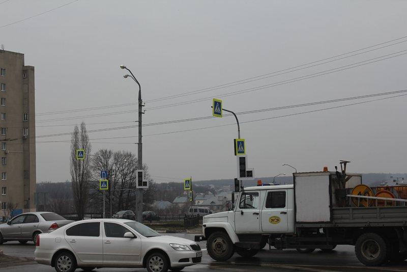 На одном из оживлённых перекрёстков Белгорода установили светофоры, фото-3