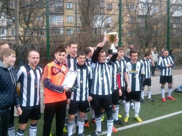 В Макеевке наградили победителей зимнего первенства города по футболу (фото) - фото 2