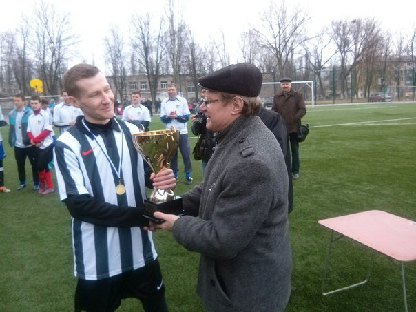 В Макеевке наградили победителей зимнего первенства города по футболу (фото) - фото 3