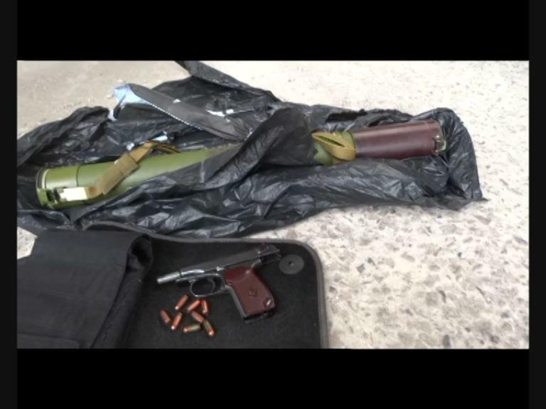 Пистолет, похищенный в Краматорском отделении полиции во время захвата его террористами, изъяли у наркоторговца на Днепропетровщине (ФОТО) (фото) - фото 1