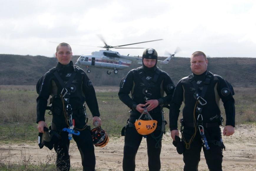 Десантная подготовка спасателей прошла в Ростовской области (фото) - фото 1