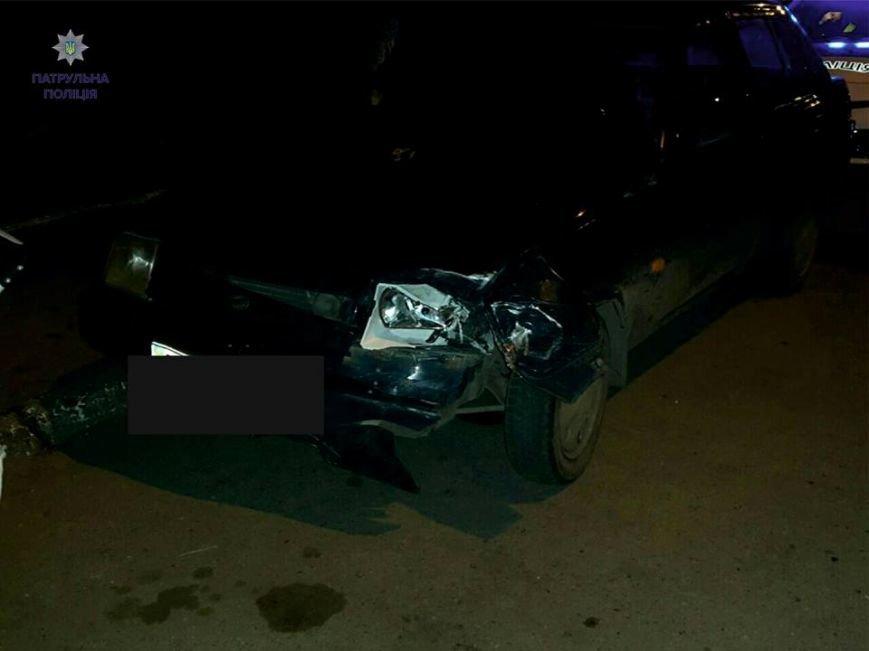 П'яний водій наїхав на зупинку громадського транспорту та зачепив пішохода (ФОТО), фото-3