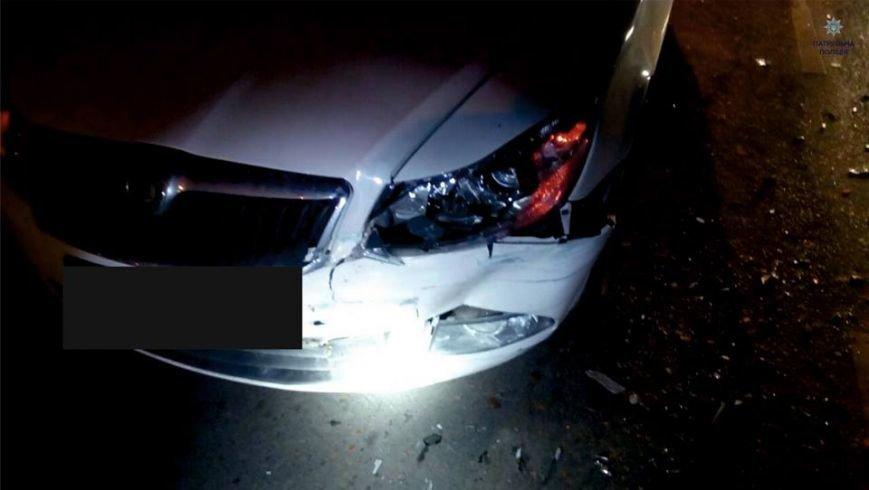 П'яний водій наїхав на зупинку громадського транспорту та зачепив пішохода (ФОТО), фото-5