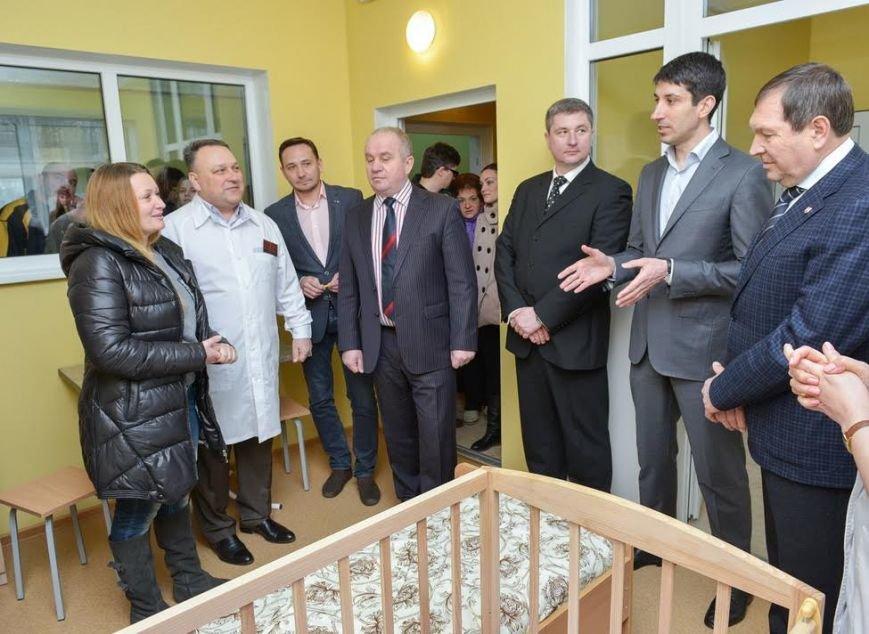 У Кіровоградській центральній міській лікарні відкрили після ремонту дитяче інфекційне відділення (фото) - фото 1
