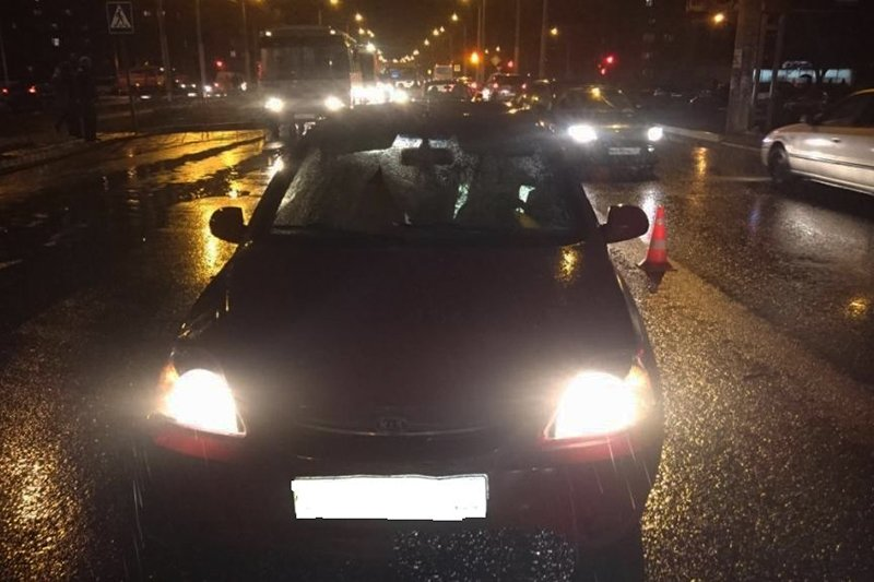 В Белгороде иномарка влетела в витрину магазина (фото) - фото 3