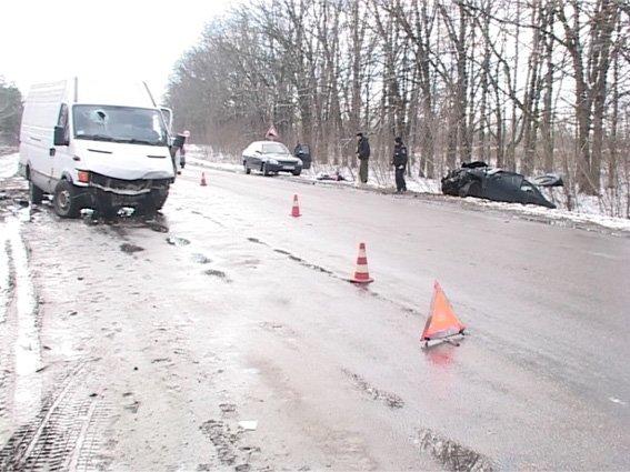 Под Сумами столкнулись два авто: четверо травмированы (ФОТО) (фото) - фото 1