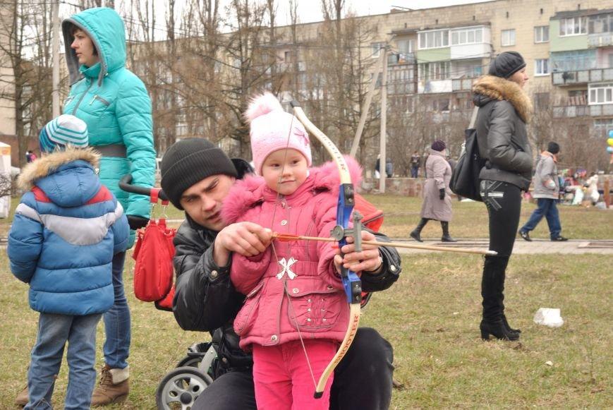 В Новограде-Волынском провели праздник встречи весны (ФОТО, ВИДЕО) (фото) - фото 1