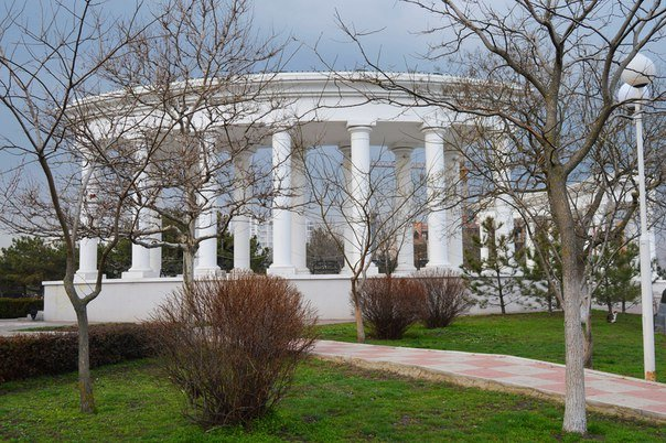 КП «ЗЕЛЕНХОЗ» проводит инвентаризацию зелёного парка Черноморска (фото) - фото 1