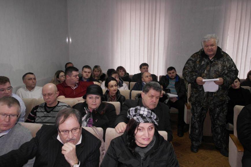 В Красноармейске предпринимателей попытались убедить, что «вилка» и 30-кратное увеличение налогов  им не повредит (фото) - фото 3