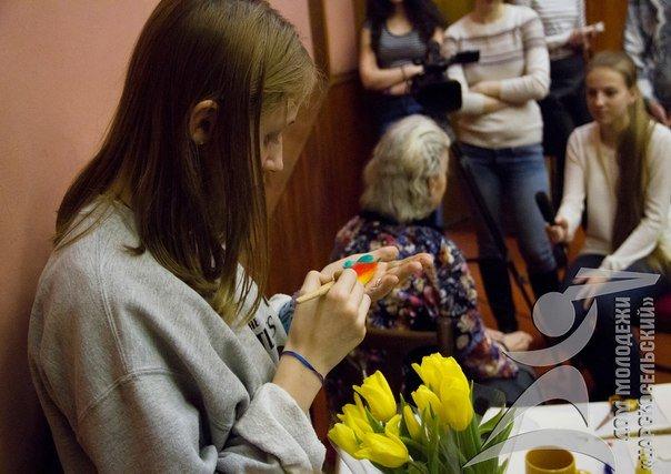Волонтеры из города Пушкина навестили одиноких стариков из дома престарелых (фото) - фото 1