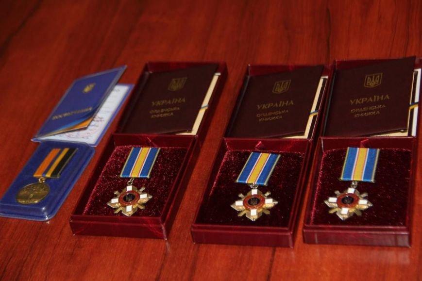 В Кременчуге посмертно наградили четырех погибших Героев АТО (фото) - фото 5