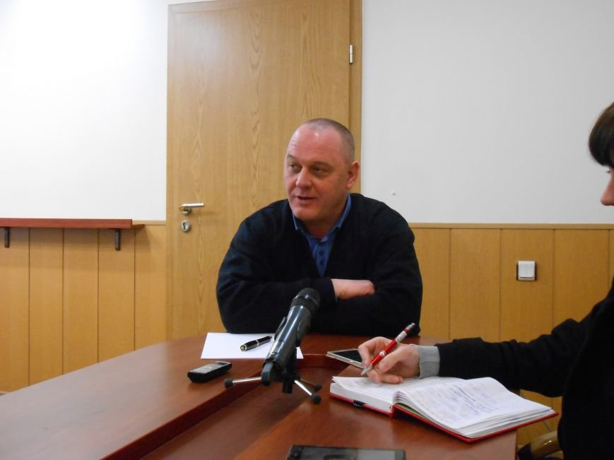 Новый начальник Днепродзержинского отдела полиции пообщался с представителями СМИ и общественности (фото) - фото 1