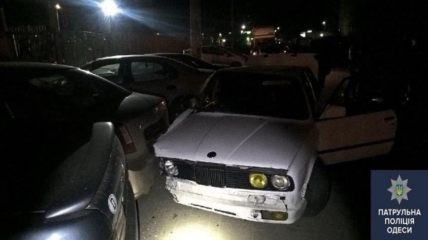 """ea18e98e6c17ef8ab5204e1a51f48f20 """"Летчик"""" на БМВ в Одессе разнес одним трюком пять автомобилей"""