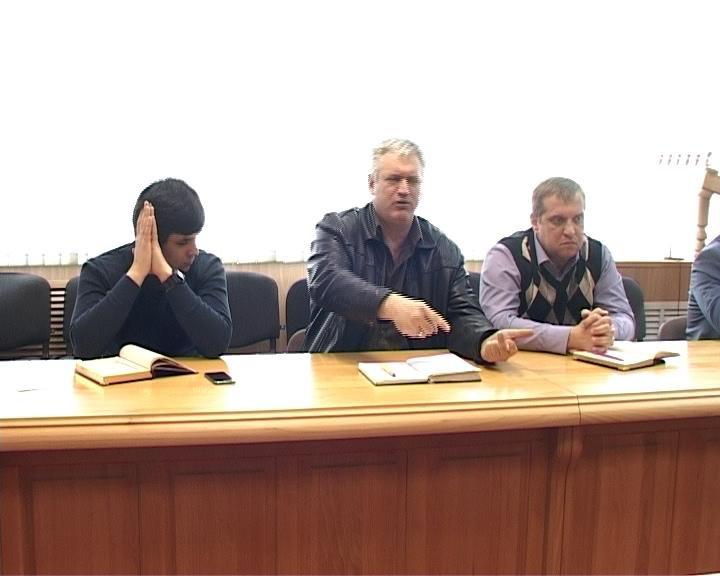 В Армавире обсудили ситуацию с оформлением полисов ОСАГО (фото) - фото 1