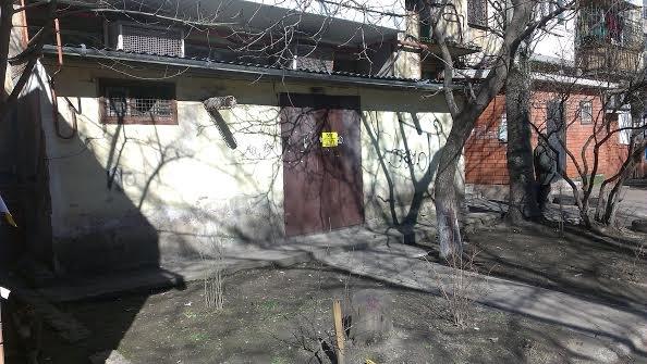 Мариупольцам придется самим  бороться с объвлениями на столбах (ФОТО+ ВИДЕО), фото-2