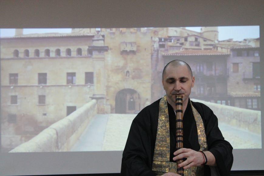 В Центральной городской библиотеке Бахмута обновили интерьер, фото-6
