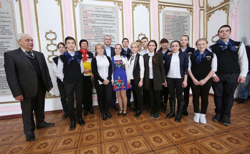 Среди крымчан не было очевидцев Крымской весны – все были непосредственными участниками, – Аксёнов (ФОТО) (фото) - фото 1