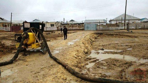 Мангистаусцы, чьи дома затопило, укроются в стенах школы(ФОТО), фото-1