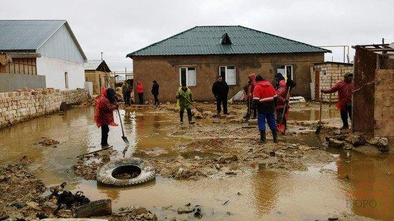 Мангистаусцы, чьи дома затопило, укроются в стенах школы(ФОТО), фото-3