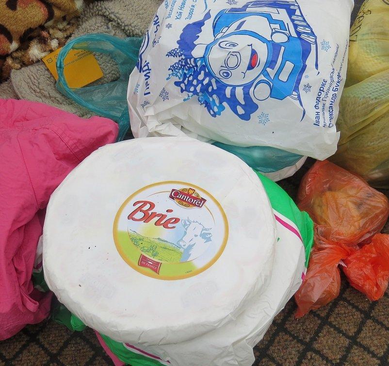В Крыму сожгли 30 кг французских и итальянских сыров, которые привезли на полуостров под видом украинских (ФОТО), фото-2