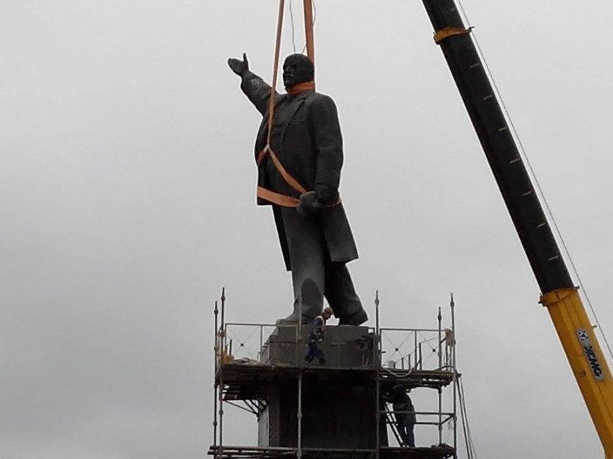 В Запорожье демонтируют самого большого Ленина в Украине: онлайн-трансляция (обновляется), фото-43