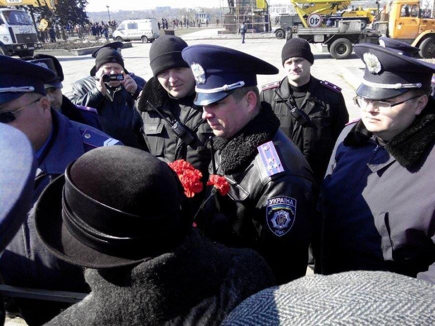 В Запорожье демонтируют самого большого Ленина в Украине: онлайн-трансляция (обновляется), фото-116