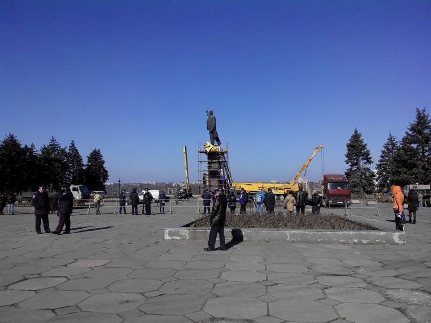В Запорожье демонтируют самого большого Ленина в Украине: онлайн-трансляция (обновляется), фото-142