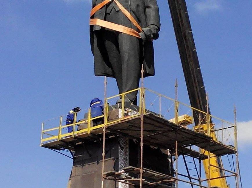 В Запорожье демонтируют самого большого Ленина в Украине: онлайн-трансляция (обновляется), фото-120