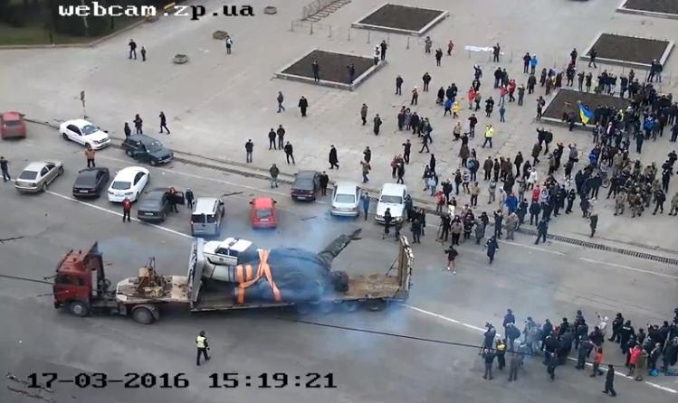 В Запорожье демонтируют самого большого Ленина в Украине: онлайн-трансляция (обновляется), фото-1