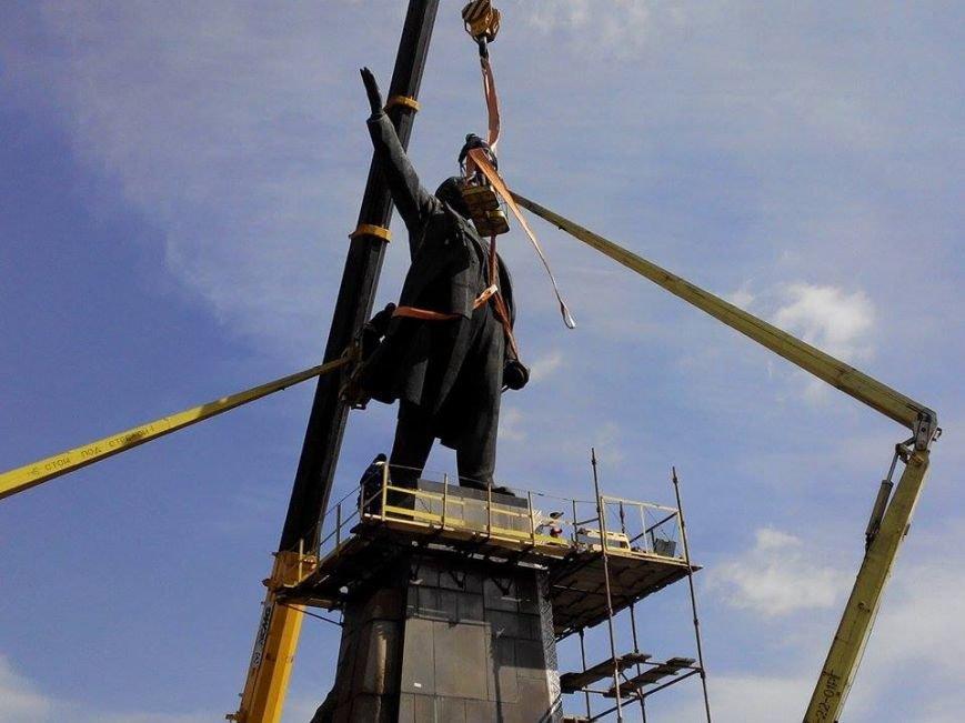 В Запорожье демонтируют самого большого Ленина в Украине: онлайн-трансляция (обновляется), фото-126
