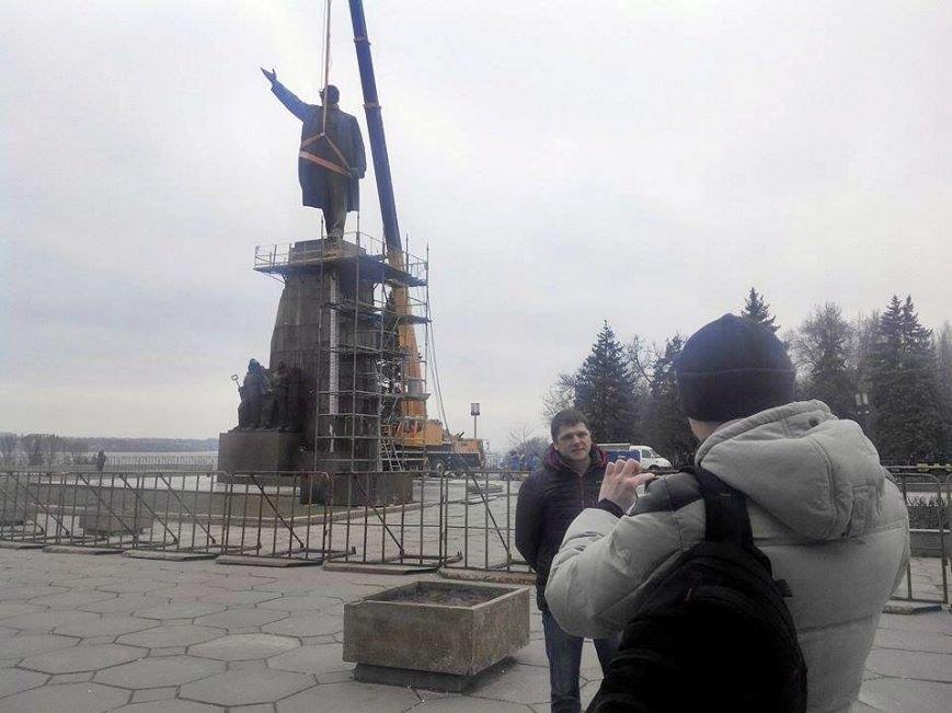 В Запорожье демонтируют самого большого Ленина в Украине: онлайн-трансляция (обновляется), фото-66