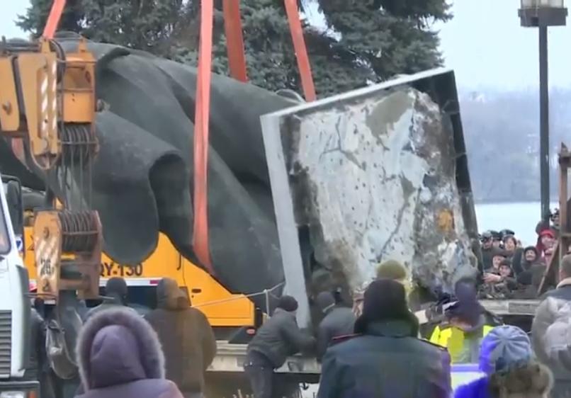 В Запорожье демонтируют самого большого Ленина в Украине: онлайн-трансляция (обновляется), фото-8