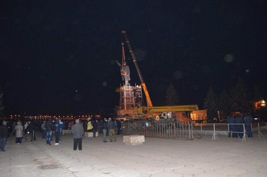 В Запорожье демонтируют самого большого Ленина в Украине: онлайн-трансляция (обновляется), фото-91